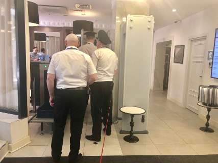 No hotel do Campo Grande News, Suíça tem forte aparato de segurança