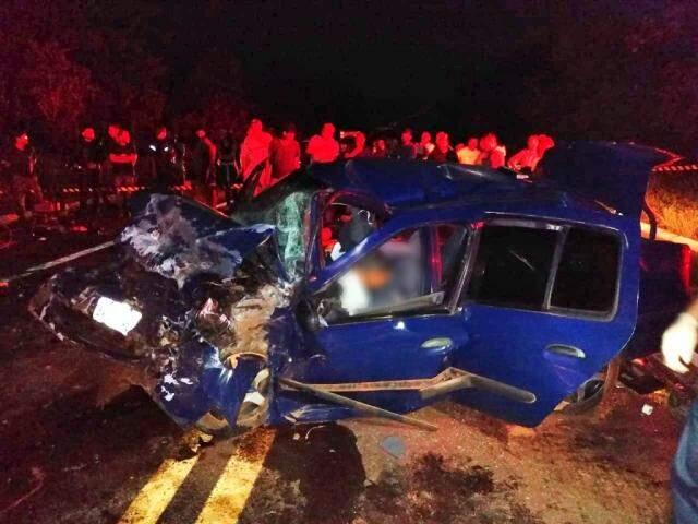 Acidente aconteceu na noite de sexta-feira (Foto: O Pantaneiro)