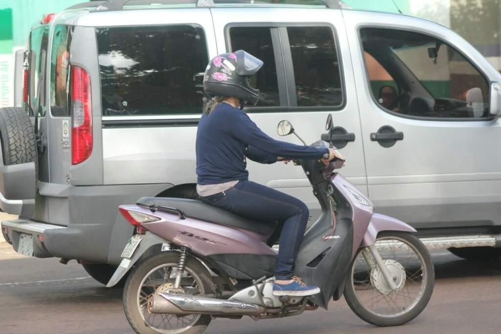 Mulheres reclamam de frase machista sobre trãnsito, que é uma das que mais são ouvidas. (Foto: Marcos Ermínio)