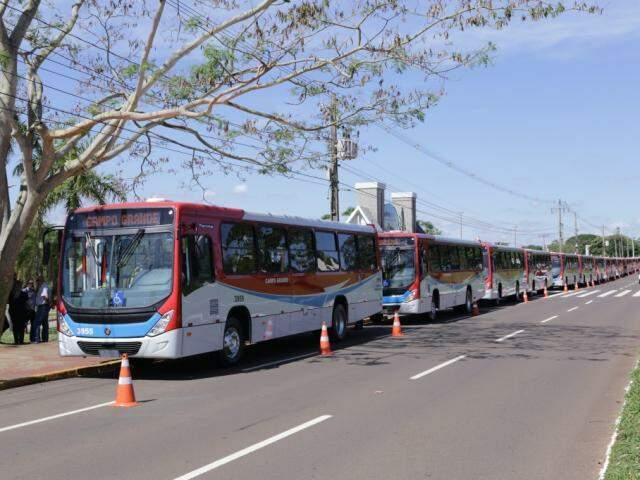 Vinte dos 55 novos ônibus foram entregues no fim de outubro (Foto: Kisie Ainoã)