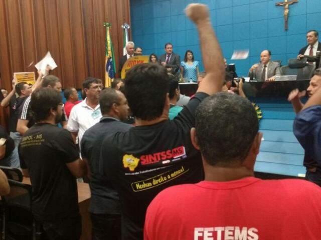 Projeto de reforma quase foi votado hoje, não fosse protesto de servidores que tomou o plenário da Assembleia Legislativa (Foto: Leonardo Rocha)