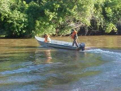 Duas semanas antes da Piracema, rios cheios afastam pescadores