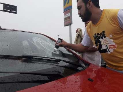 Posto com gasolina a R$ 2,50 tem fila de 12 horas e 250 abastecidas
