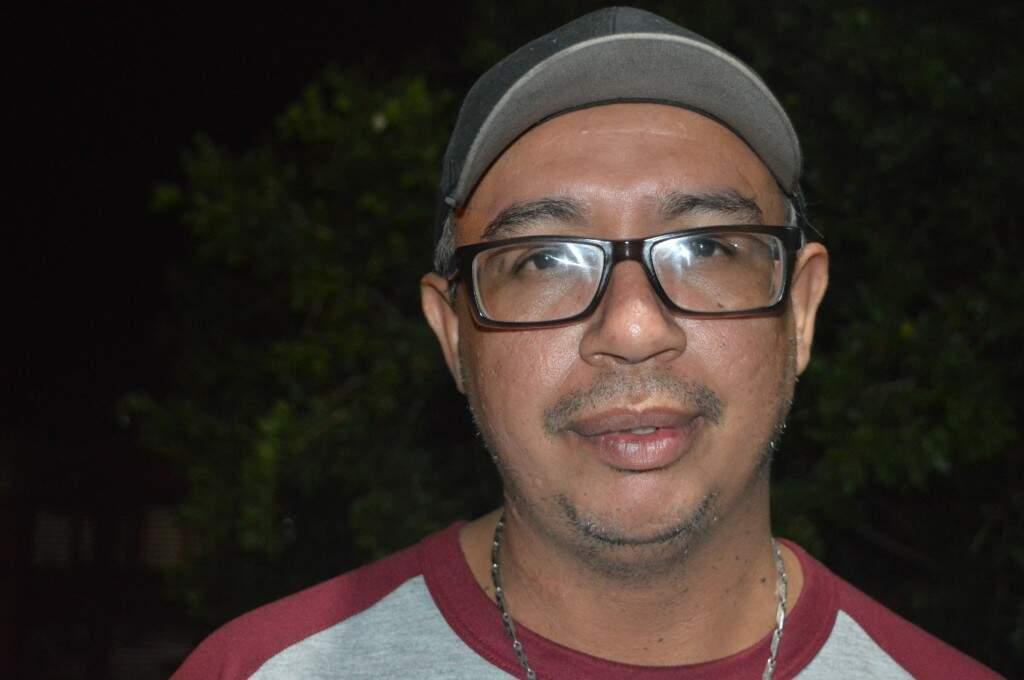 O padeiro, Francioli Leguizamon Canhete contou que frequenta o local há anos (Foto: Alana Portela)