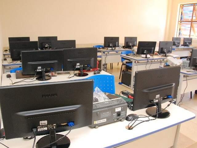 Laboratório de informática no novo prédio da FatecSenai. (Fotos: Minamar Júnior)