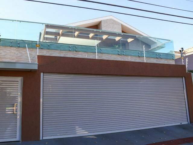 Casa está à venda por R$ 2,6 milhões na Chácara Cachoeira (Foto: Paulo Francis)