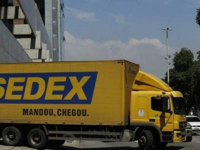 Caminhão do Correios no Centro de Distribuição, na Avenida Presidente Vargas - RJ.  (Foto: Gabriel de Paiva/Jornal Extra)