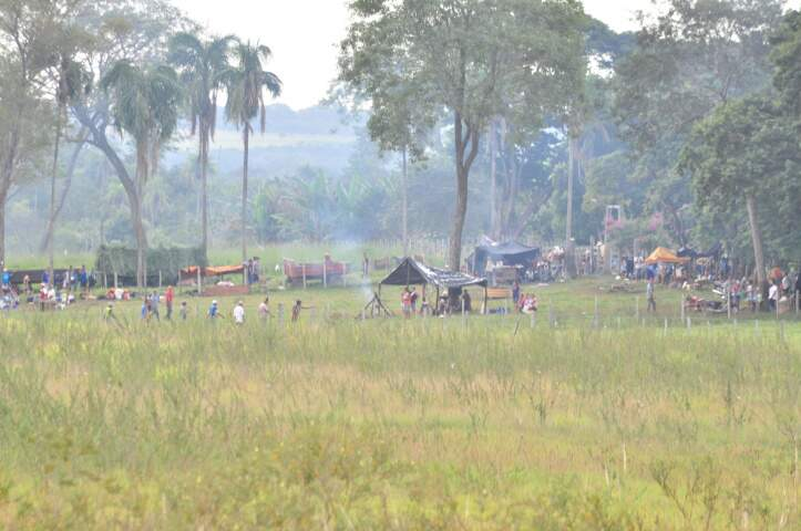 Índios invadiram Fazenda 3R e dizem que só saem se reivindicações forem aceitas. (foto: João Garrigó)