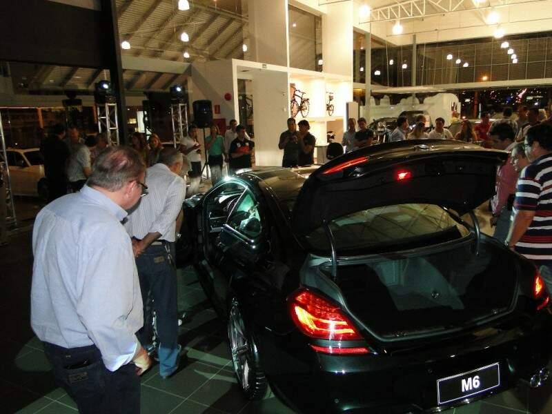 Novo BMW M6 Coupé é apresentado em Campo Grande