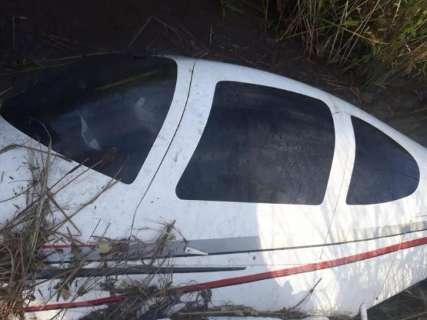 Avião cai em área de difícil acesso de Naviraí e mata piloto
