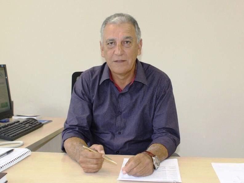 Luiz Rocha posa para foto; ele assumiu diretoria da Sanesul em 2015 (Foto: Sanesul/Divulgação)