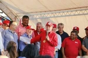 Lula em ato no assentamento Itamarati, em agosto de 2016. (Foto: Helio de Freitas/Arquivo).