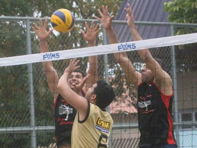 Competição de voleibol movimenta equipes da Capital no Jardim Vida Nova (Foto: FVMS/Divulgação)