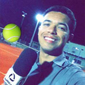 Michel comemorando o sonho realizado, de ser repórter em Corumbá. (Foto: Reprodução/Facebook)