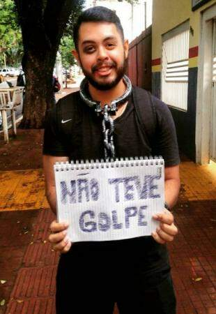 Jornalista se vestiu de estudante de SP, também em dia de Cordão Valu. (Reprodução Facebook)