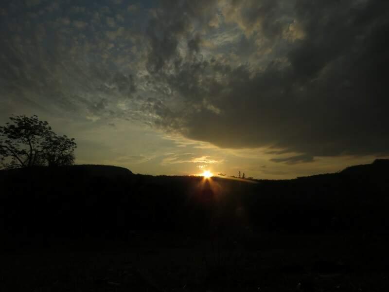 O sol visto do alto. (Foto: Miwa Fabiane)