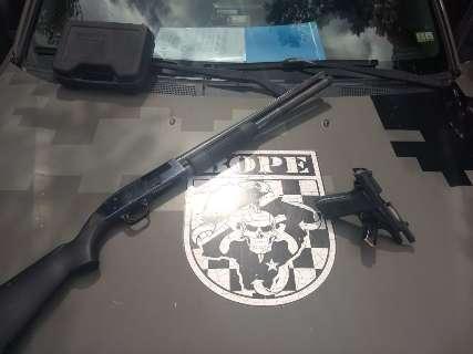 Além de arsenal com PM, operação na fronteira apreendeu carros roubados
