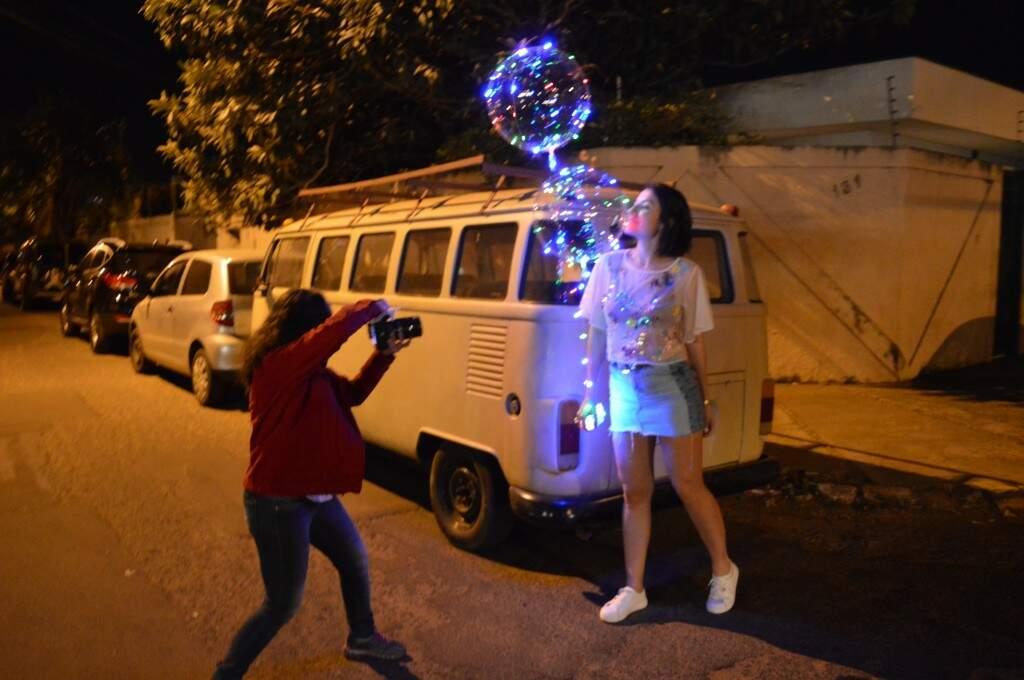 Daniele fez até ensaio de aniversário na Vila Carvalho. (Foto: Thailla Torres)