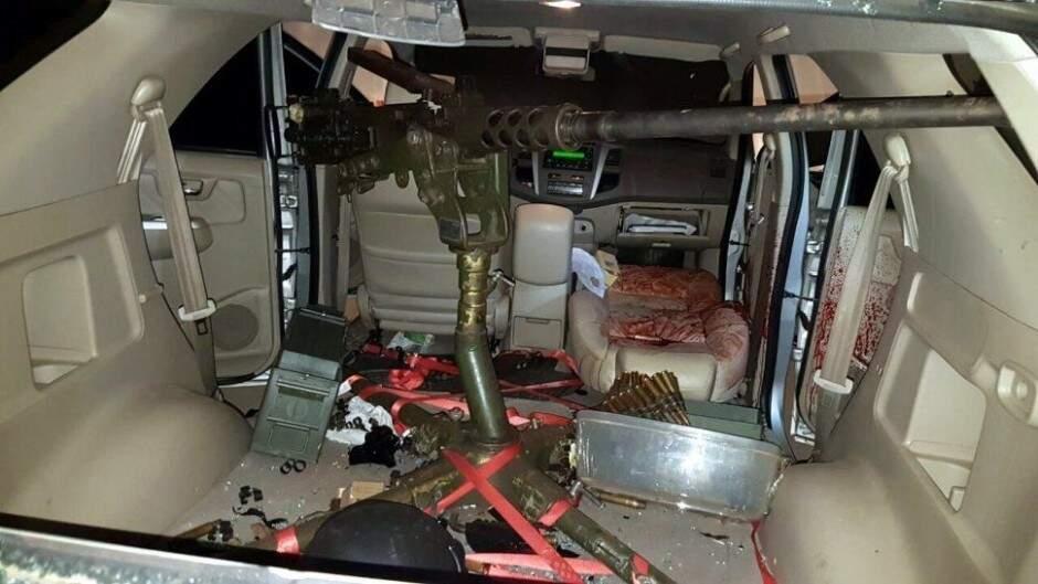 Metralhadora foi instalada em caminhonete para ataque a Rafaat e depois foi abandonada (Foto: Arquivo)