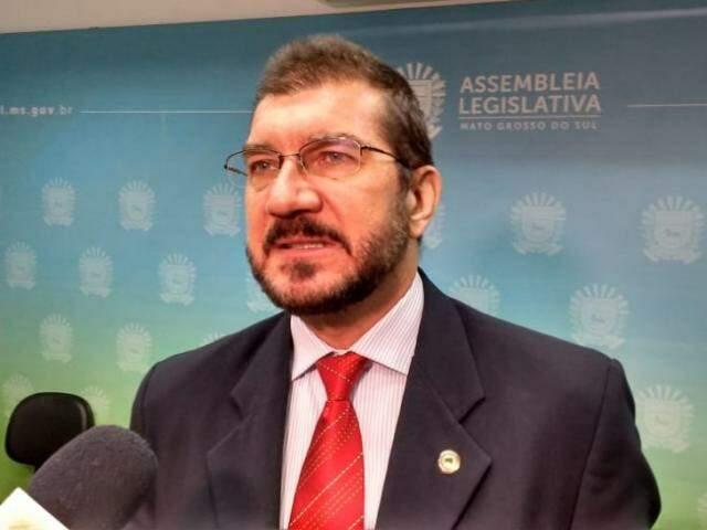 Deputado estadual Pedro Kemp (PT) pediu respostas à Secretaria de Saúde (Foto: Leonardo Rocha)