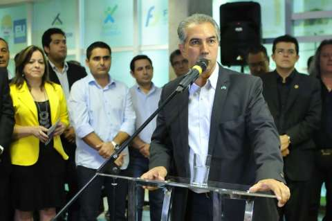 Governador assina ordem de serviço nos municípios de Itaquiraí e Tacuru