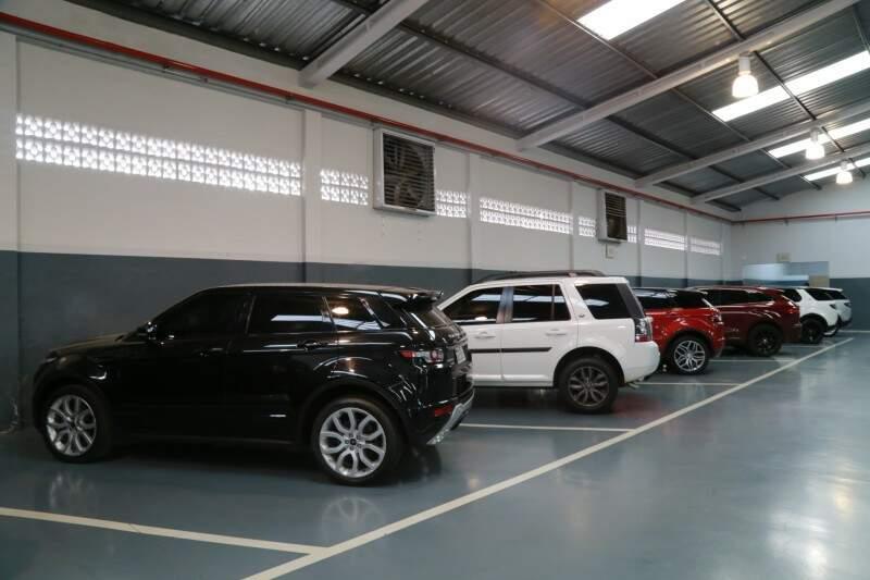 Organização da oficina é reflexo do padrão de atendimento Jaguar Land Rover. (Foto: Alcides Neto)