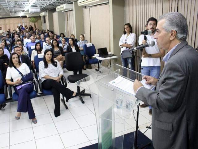 Governador abriu oficialmente seminário realizado no Parque dos Poderes, em Campo Grande. (Foto: Chico Ribeiro/Subcom)