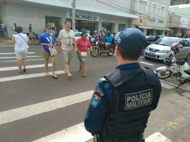 Policial de guarda no Centro de Campo Grande (Foto: divulgação/PM)