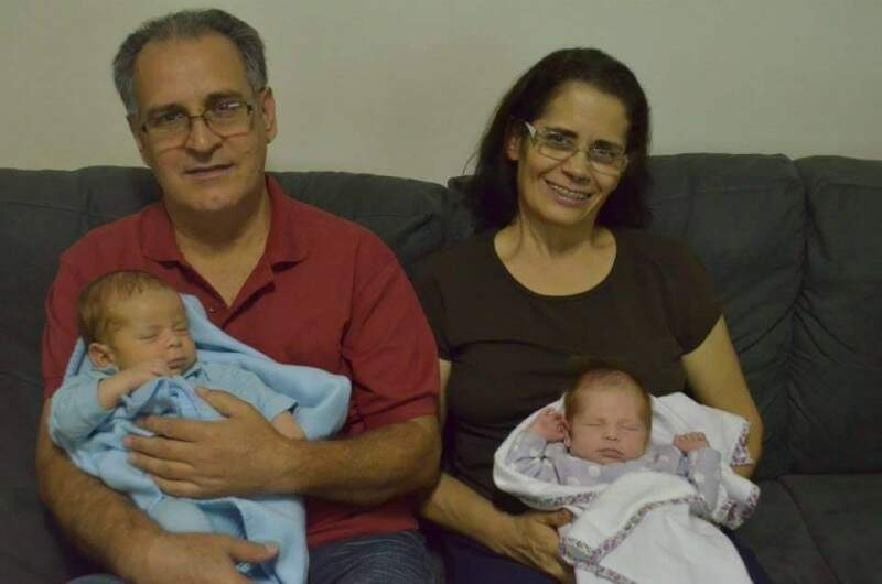E as crianças com os avós.