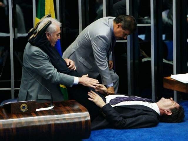Os senadores Otto Alencar (Líder) e Nelsinho Trad (PSD) atendendo Cid Gomes. (Foto: Reprodução/Instagram)