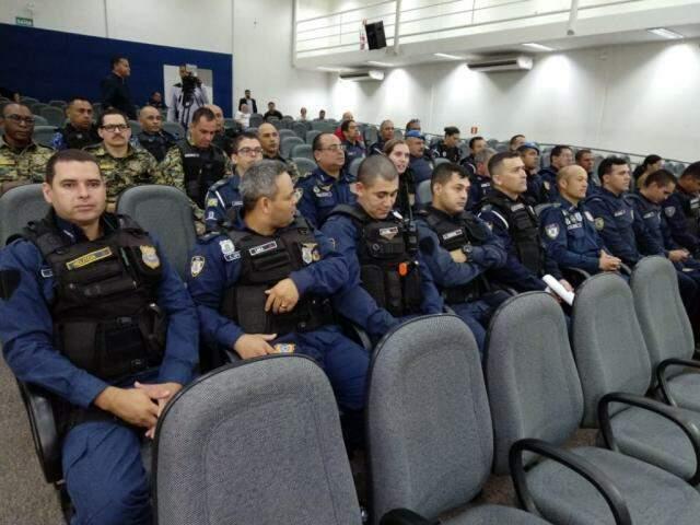 Guardas municipais participaram da audiência na Câmara (Foto: Leonardo Rocha)
