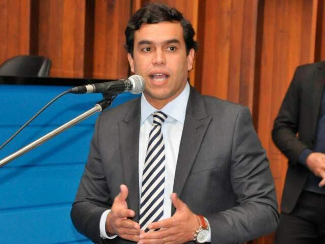 Deputado federal, Beto Pereira (PSDB), durante discurso (Foto: Assembleia - Arquivo)