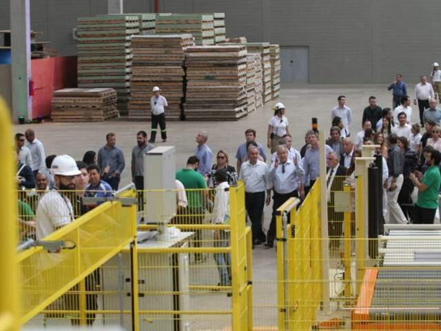 Fábrica de MDF foi inaugurada nesta quarta-feira no interior do Estado (Foto: Saul Schramm)