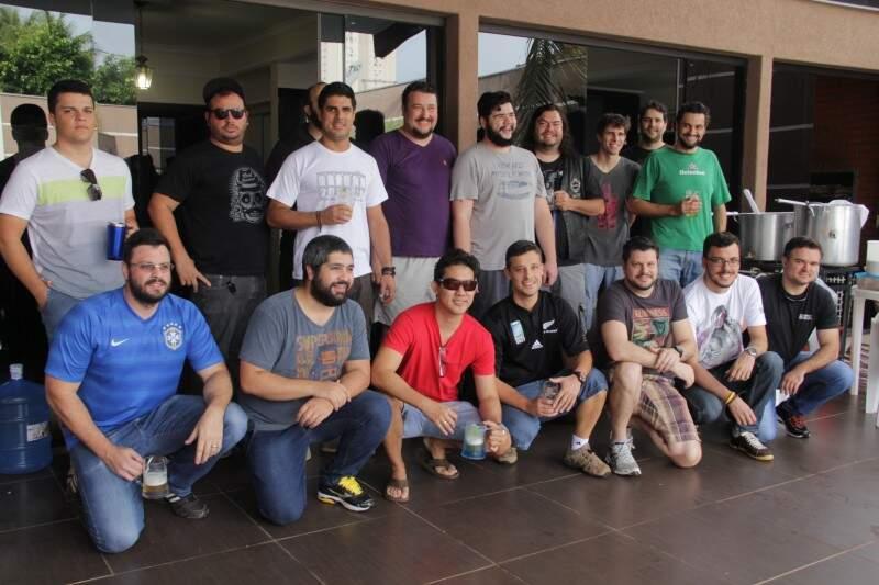 A 1º brassagem reuniu sete grupos cervejeiros da Capital (foto:Marcos Erminío)