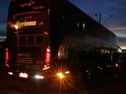 Viação é multada por transportar passageiros de forma irregular