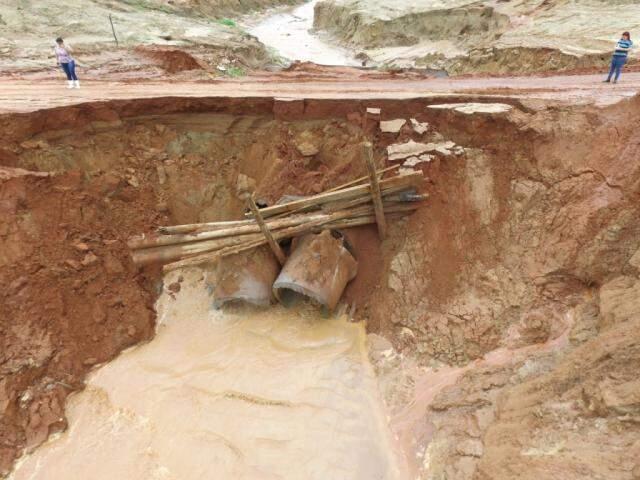 Chuvas destruíram tubulações em Novo Horizonte do Sul (Foto: divulgação)