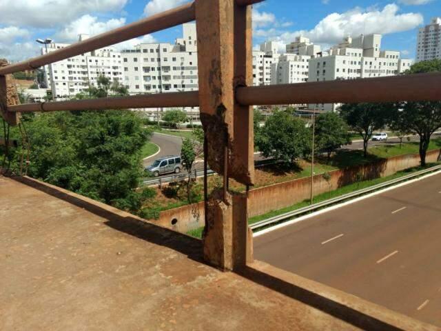 Viaduto da Avenida Mascarenhas de Moraes sobre a Ernesto Geisel (Foto: Kísie Ainoã/Arquivo)