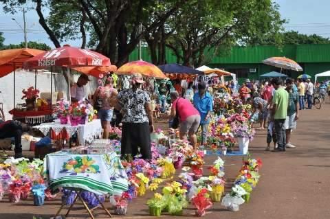 Cemitérios recebem a visita de 60 mil pessoas neste domingo, Dia de Finados