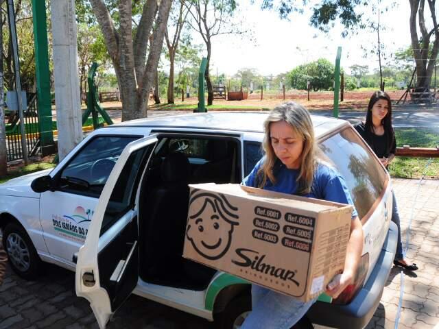 Mamífero chegou em um carro da prefeitura. (Foto: Rodrigo Pazinato)