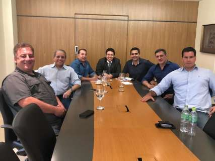 """Grupo vira """"G8"""" e acrescenta apoio de mais 2 novatos a Paulo Corrêa"""