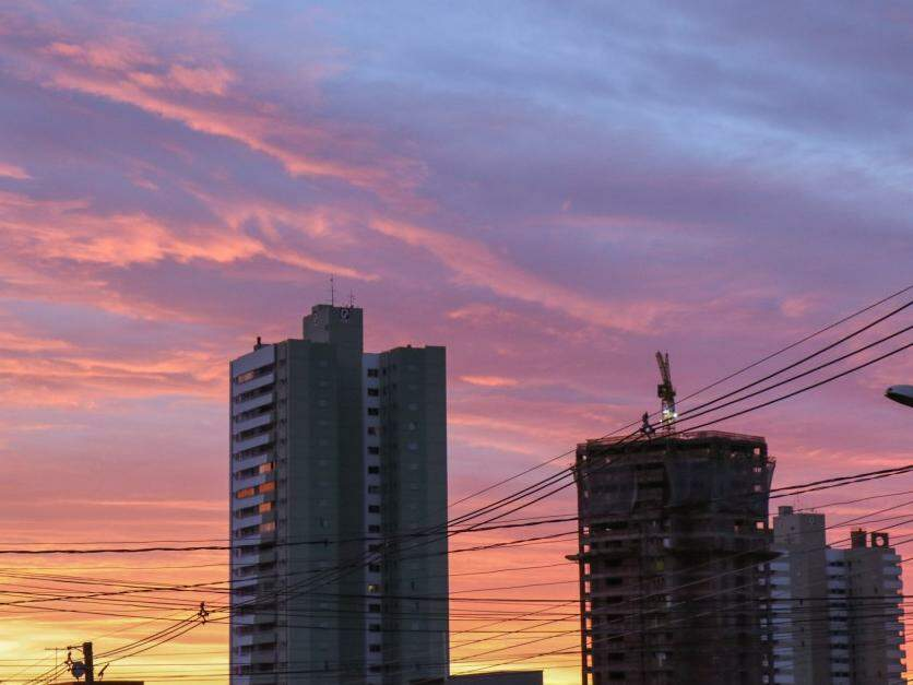 Há previsão de chuva para Campo Grande na parte da manhã e da tarde (Foto: Henrique Kawaminami)