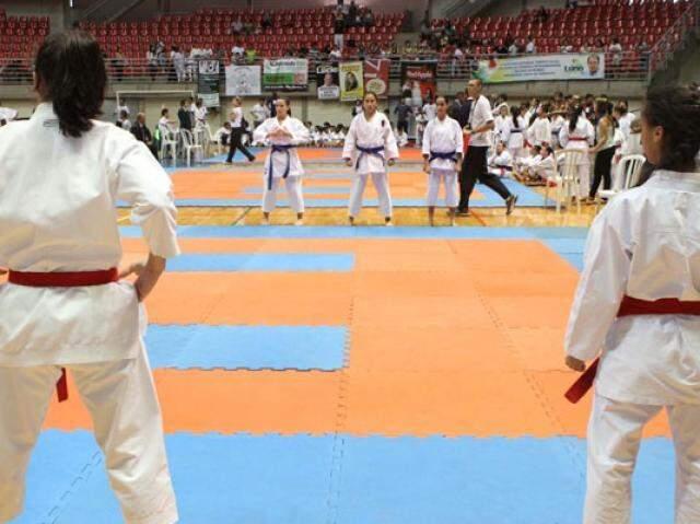 Competição é promovida pela FKMS (Federação de Karate de Mato Grosso do Sul). (Foto: Divulgação)