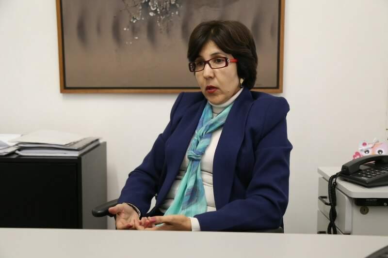 A coordenadora pontua que também é responsabilidade da escola orientar como se portar na rede. (Foto: Fernando Antunes)