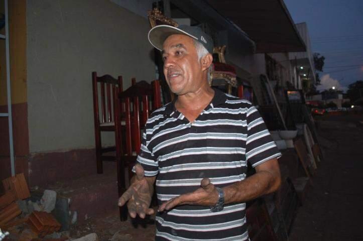 Roberto é trabalhador e morre de amores por Campo Grande (Foto: Simão Nogueira)