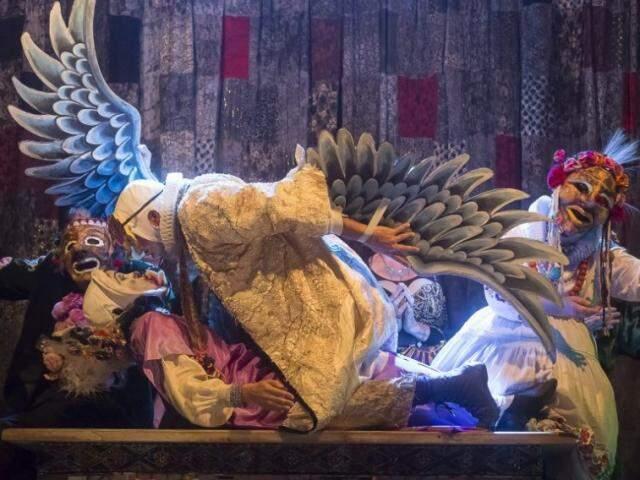 """O Grupo Galpão apresenta a peça """"Os gigantes da montanha"""" (Foto: Elisa Montes)"""