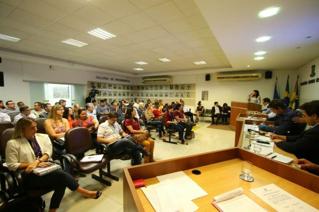 Audiência sobre planos para a cidade foi realizada nesta quarta-feira. (Foto: André Bittar)