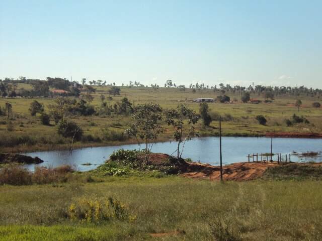 Além de não ter licença ambiental para a construção do açude, as atividades causaram degradação de áreas de preservação. (Foto: divulgação)
