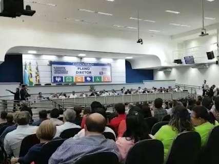 Audiência sobre plano diretor lota Câmara de Vereadores