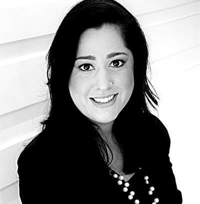 Carla tem mais de 10 anos de experiência no segmento de Marketing Digital (Foto: Divulgação)