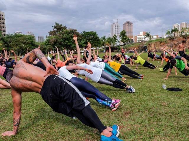 A práticas ocorrem em parque, com quantidade média de 25 alunos por aula. (Foto: Divulgação)